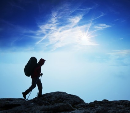 nature-climbing-backpack-mountain-cloud_1320-154